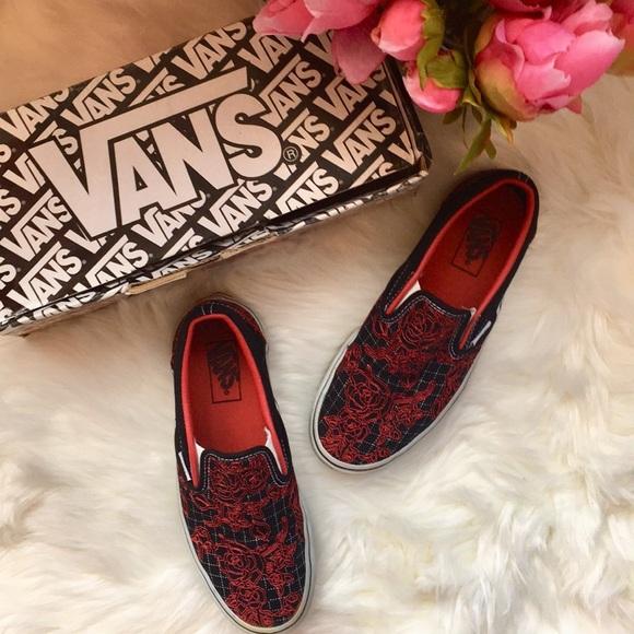 6837447f184b Black   red rose Vans slip on shoes. M 5b71b506de6f62e81f318751